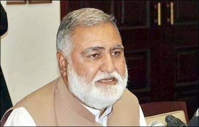 طاہر القادری جمہوری آدمی نہیں ہیں: محمد اکرم درانی