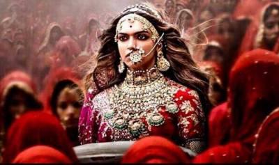"""بھارتی سنسر بورڈ کی فلم """"پدماوتی"""" کے 300 مناظر کاٹنے کی تردید"""