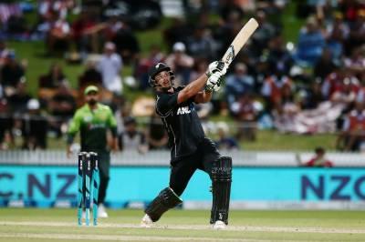 نیوزی لینڈ نے چوتھے ون ڈے میچ میں پاکستان کو 5وکٹوں سے شکست دیدی
