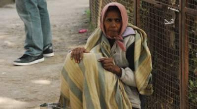 بھارت میں مریضہ کو 3 دن پیدل چل کر چارپائی پر ہسپتال لایا گیا
