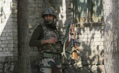 بھارت متنازع سرحدوں پر تعینات فوج کیلئے 35ارب سے زائد ہتھیار خریدے گا