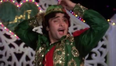 رشی کپور نے ایک فلم کے گانے میں زنانہ پتلون پہن لی تھی