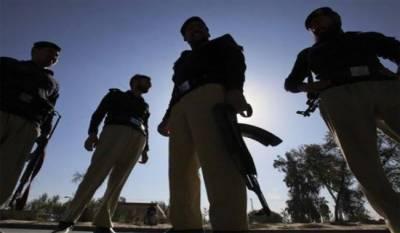 کراچی، شاہراہ فیصل ڈرگ روڈ پر مبینہ پولیس مقابلہ، ایک ڈاکو ہلاک، 3 گرفتار