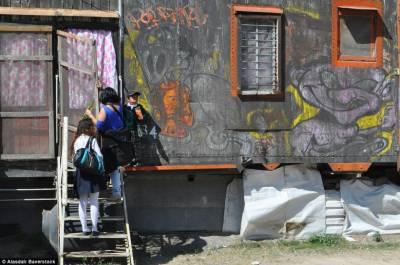 میکسیکو میں ریل گاڑی کے ڈبے میں پرائمری اسکول قائم