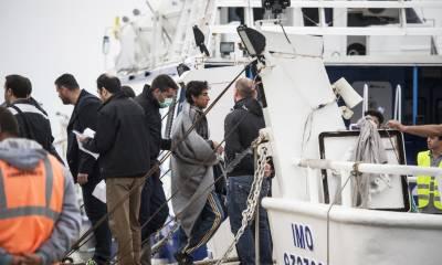 ایران سے 29 غیر قانونی پاکستانی باشندے پاکستانی حکام کے حوالے