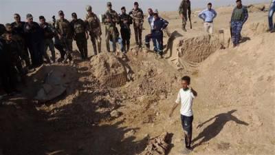 عراق میں اجتماعی قبر سے فوجیوں اور عام شہریوں کی 75 لاشیں برآمد