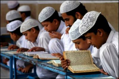 پاکستان میں 43 فیصد والدین آج بھی بچوں کو دینی تعلیم دینے کے خواہاں