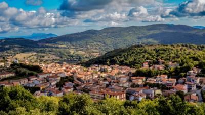 اٹلی کے حسین ترین مقام اولولائی میں صرف ایک ڈالر میں گھر کے مالک بنیئے