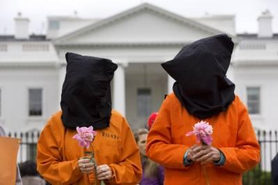 امریکی صدر نے بدنام زمانہ گوانتا نامو بے جیل دوبارہ کھولنے کا اعلان کر دیا