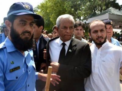 توہین عدالت میں سزا پانے والے نہال ہاشمی کی جیل میں طبیعت بگڑ گئی ،جناح ہسپتال منتقل