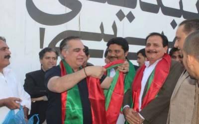 کراچی میں لیگی رہنما سیف الرحمان کی پی ٹی آئی میں شمولیت