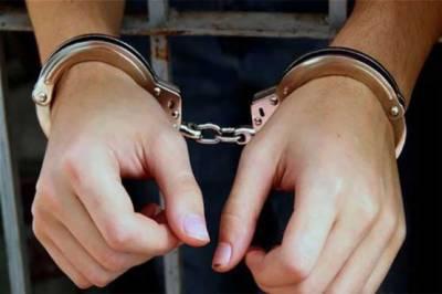 حافظ آباد: لڑکیوں کی ریڑھ کی ہڈی سے مواد نکالنے والا گروہ گرفتار