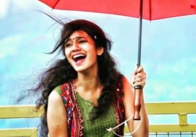 """""""ابھی تک غیر شادی شدہ ہوں"""":پریا پرکاش نے خود ہی بتادیا"""