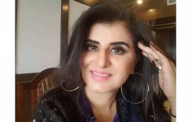 کپتان کی تیسری شادی کے فوری بعد سامعہ خان کی ایسی پیشن گوئی جس نے پی ٹی آئی ٹائیگرز کی خوشیوں پر پانی پھیر دیا
