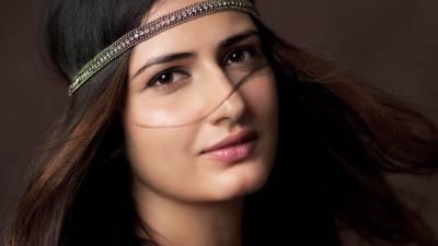 فاطمہ ثناءشیخ نے فلم کے لئے اپنی بھنو ﺅں کو منڈوا لیا