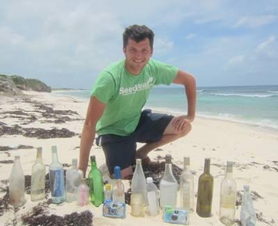 امریکی پروفیسر نے 10سال بوتلوں کے اندر سربند پیغامات کی تلاش میں صرف کر دئیے