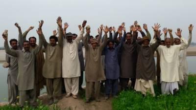 جلالپور بھٹیاں: دریائے چناب کے سیلابی پانی سے بچاؤ کے لیے بنائے جانے والے پشتوں میں ناقص میٹریل کا استعمال