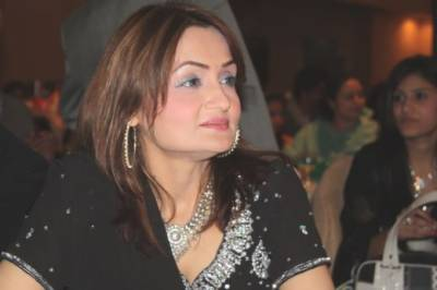 معروف گلوکارہ شازیہ خشک کے گھر پر حملہ، جان سے مارنے کی دھمکیاں