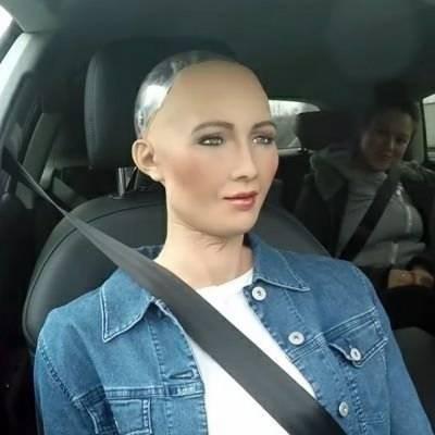 """روبوٹ کبھی بھی """"ناراض"""" ہوکر انسان کو """"قتل"""" کرسکتے ہیں, ماہرین کا انکشاف"""