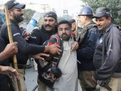 لاہور میں نابینا افراد ایک مرتبہ پھر سڑکوں پر