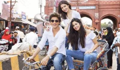 """شاہ رخ خان کی فلم """"زیرو"""" کی شوٹنگ کے دوران کترینہ کیف کی تصاویر لیک ہوگئیں"""