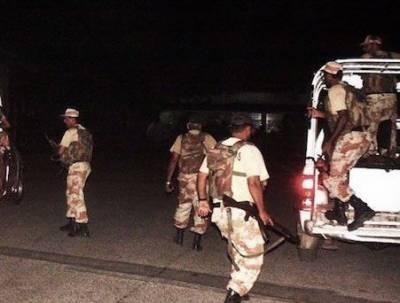 کراچی کے علاقہ کورنگی میں ڈاکوﺅں کی فائرنگ،رینجرز اہلکار سمیت خاتون زخمی