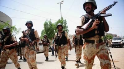 کراچی : پولیس ، رینجرز سے مقابلے میں ایک دہشتگرد مارا گیا ، ایک اہلکار شہید