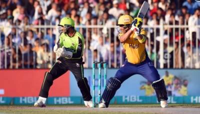 پشاور نے لاہور کو شکست دے کر پلے آف مرحلے میں جگہ بنا لی