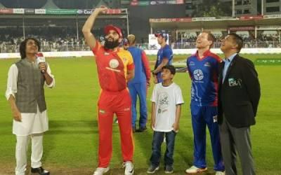 پی ایس ایل 3 کے پلے آف راونڈ سے پہلے آخری ٹاکرا،کراچی کنگز نے ٹاس جیت لیا