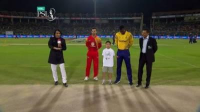 پی ایس ایل : پشاور نے ٹاس جیت کر بیٹنگ کا فیصلہ کر لیا