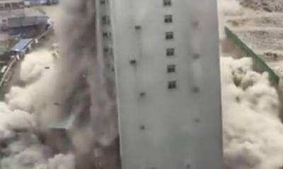 چین میں 15 منزلہ عمارت صرف10 سکینڈ میں زمین بوس،ویڈیو سامنے آگئی