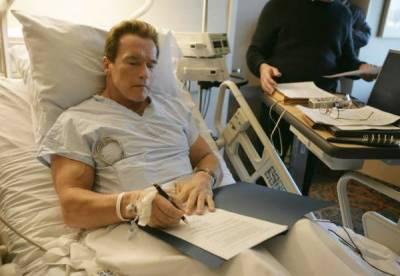 شہر ہ آفاق ہالی ووڈ اداکار آرنلڈ شوازنیگر کی اوپن ہارٹ سرجری،علاج جاری