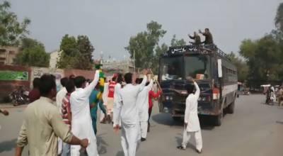 جڑانوالہ میں 6 سالہ بچی زیادتی کے بعد قتل، شہریوں کا احتجاج