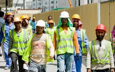 یو اے ای حکومت نے پاکستانیوں سمیت غیر ملکی ملازمین پر عائد کی جانے والی
