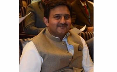 حکومت کو خادم حسین رضوی کی گرفتاری میں مشکلات ہیں، ملک احمد خان