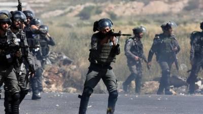 فلسطینی مظاہرین اور اسرائیلی فورسز کے درمیان غزہ اور اسرائیل کی سرحد پر جھڑپیں