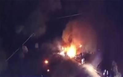 امریکہ : چھوٹا مسافر طیارہ گر کر تباہ ، چھ افراد جان کی بازی ہار گئے