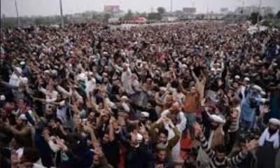 تحریک لبیک کا احتجاج مختلف شہروں میں پھیل گیا، سڑکیں بلاک، ہزاروں شہری پھنس گئے