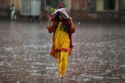 گرمی سے ستائے شہریوں کیلئے محکمہ موسمیات نے بارش کی نوید سنادی