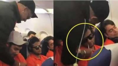 شیکھردھون کی جہاز میں شرارتوں کی ویڈیو وائرل