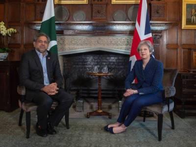 وزیراعظم شاہد خاقان عباسی کی برطانوی وزیراعظم تھریسامے سے ملاقات