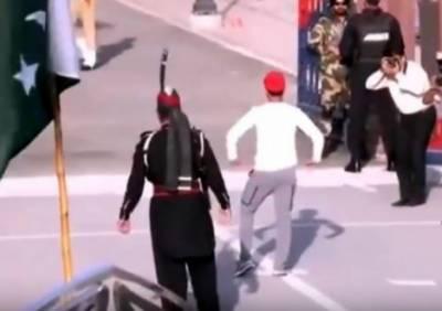 قومی ٹیم کی واہگہ بارڈر پر آمد، حسن علی کا منفرد انداز میں رقص