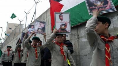 فلسطینیوں کی اسرائیلی جیل میں قید اپنے پیاروں سے ملاقات ، جذباتی مناظر