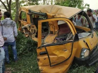 اتر پردیش میں اسکول وین ٹرین کی زد میں آگئی، 13 بچے ہلاک
