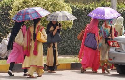رواں ہفتے کے دوران ملک کے بیشتر میدانی علاقوں میں موسم گرم اور خشک رہنے کا امکان