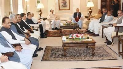 وزیردفاع خرم دستگیر خان کو وزیر خارجہ کا اضافی قلمدان سونپ دیا گیا