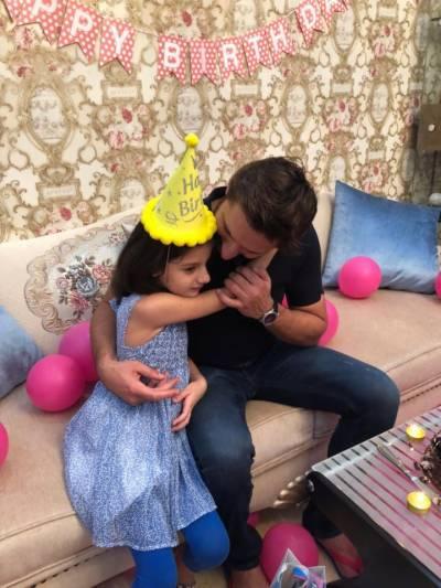 شاہد آفریدی کا اپنی بیٹی اسمارہ کی چھٹی سالگرہ کے موقع پر نہایت جذباتی پیغام جاری
