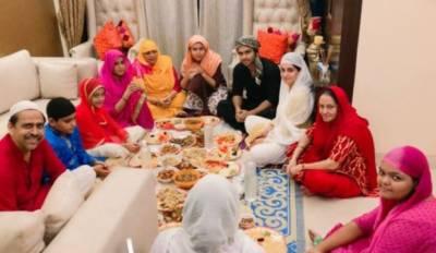 بھارتی اداکارہ دپیکا کی افطاری کرتے ہوئے تصاویر وائرل