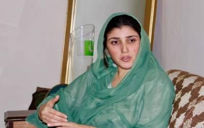 """عائشہ گلالئی کا """"ریکٹ """" کا نشان ملنے پر عدالت جانے کا فیصلہ"""