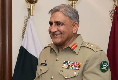آرمی چیف سمیت تینوں مسلح افواج کے سربراہان کی نگراں وزیراعظم سے ملاقات،منصب سنبھالنے پر مبارکباد